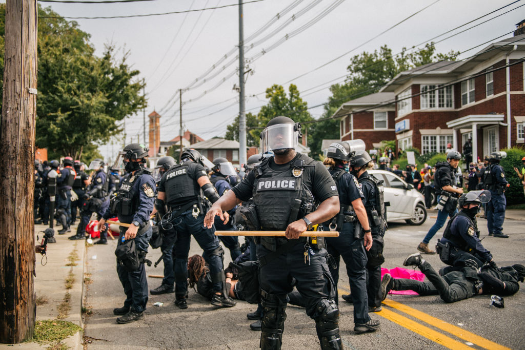 2 Louisville Police Officers Shot During Protests Over Lack Of Charges In Breonna Taylor Death